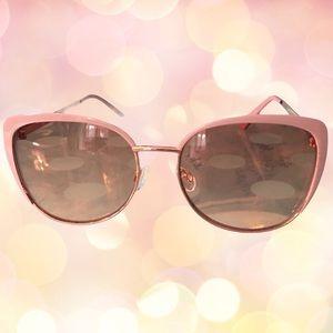 Oscar de la Renta Sunglasses and Case